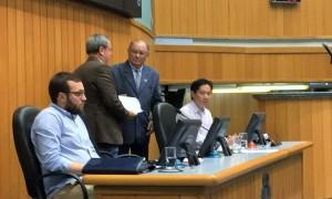 cp-entrega-relatorio-e-aponta-falta-de-decoro-dos-parlamentares